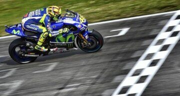 qualification-moto-gp-assen-2015-rossi-first-position